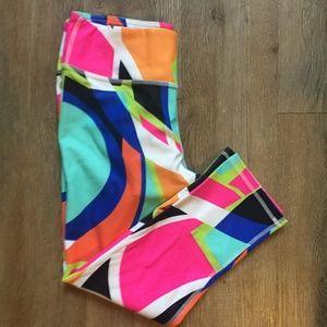 Fabletics Salar Geometric Sorbetto Pink Orange Blue Black Capri Leggings XS S